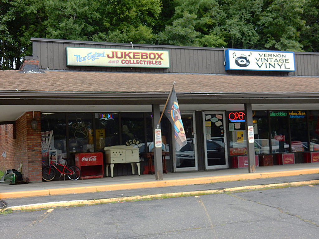 New England Jukebox and Collectibles - Vernon Vintage Vinyl - Vernon Connecticut store front