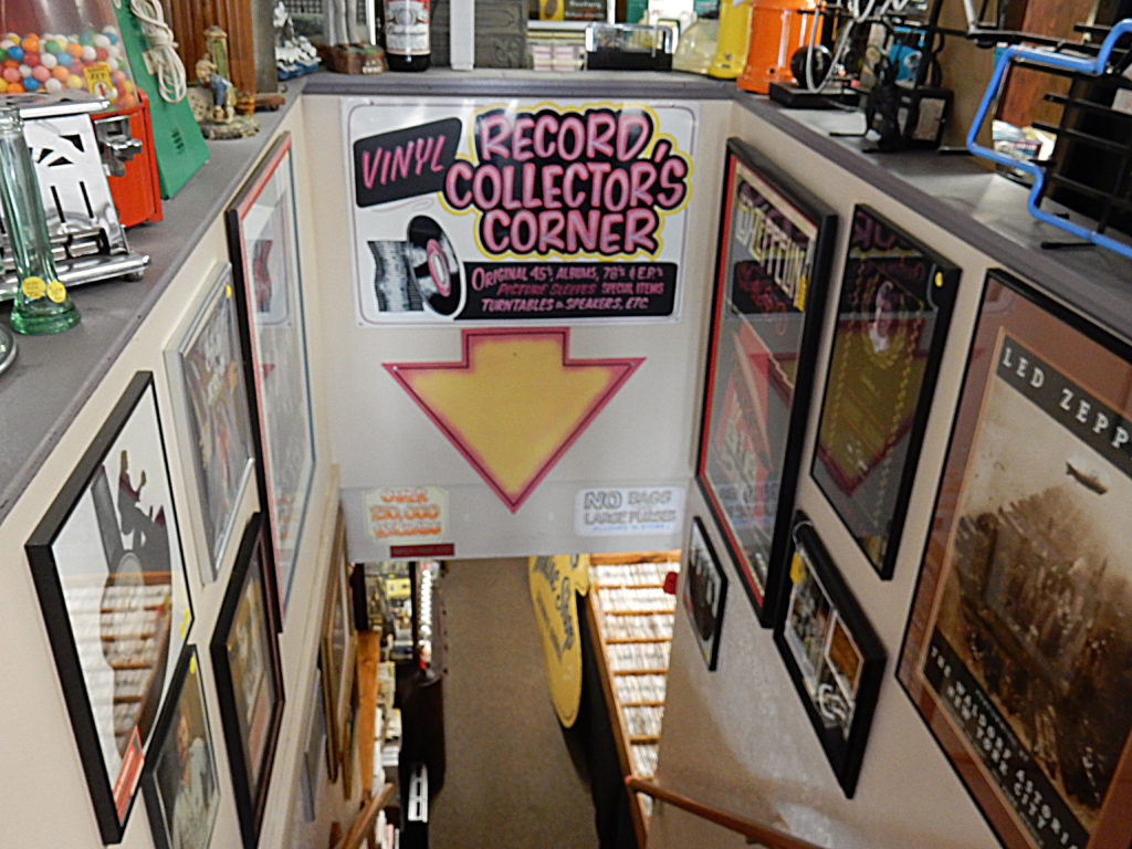 New England Jukebox and Collectibles - Vernon Vintage Vinyl - record store entrance