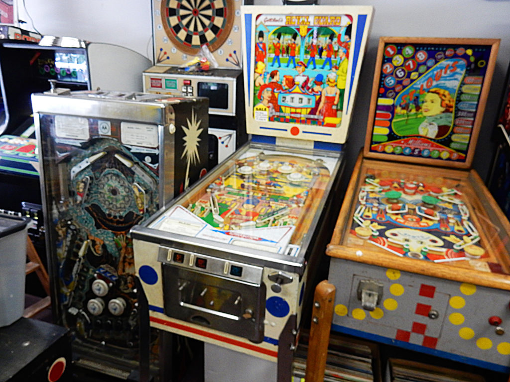 New England Jukebox and Collectibles - Vernon Vintage Vinyl - store interior