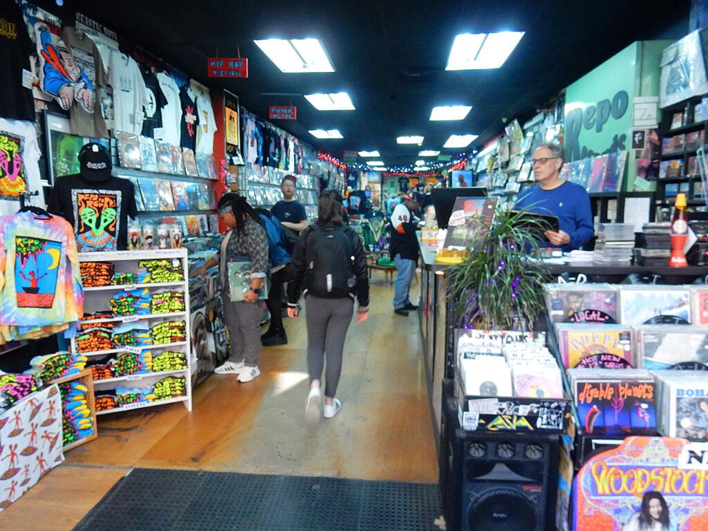 Repo Records Philadelphia PA - store interior